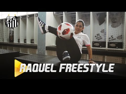 AMAZING SKILLS: RAQUEL FREESTYLE NO VESTIÁRIO DO SANTOS FC