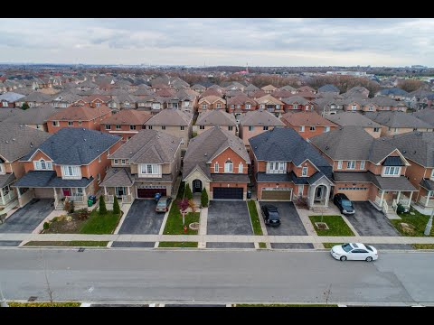 15 Arctic Willow Road Brampton