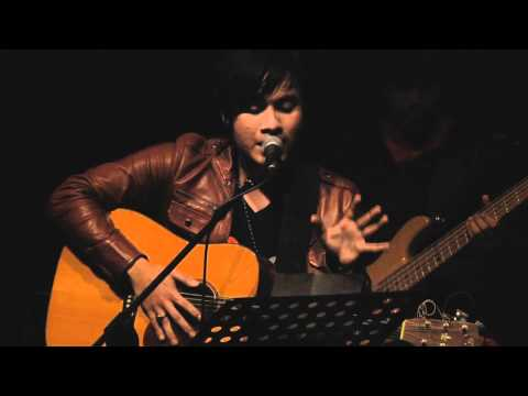 Awi Rafael - Rindu Setengah Mati LIVE at No Black Tie