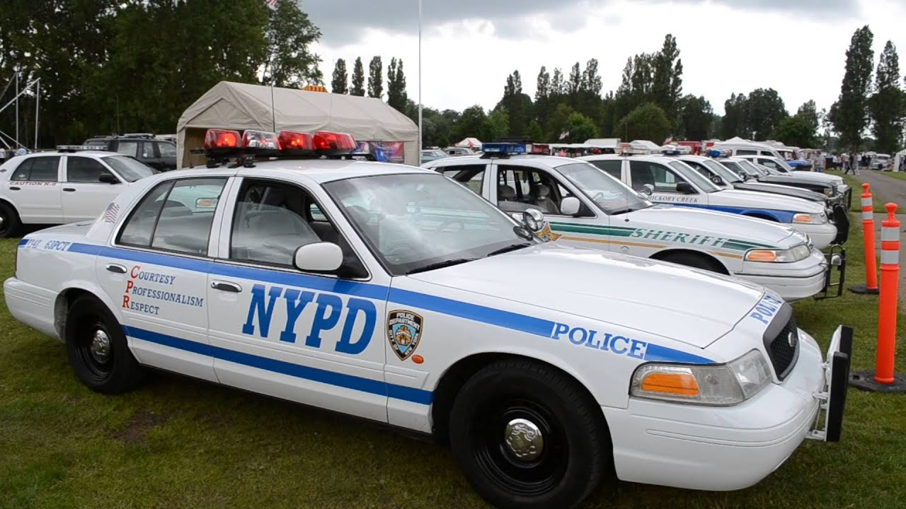 Ford Crown Victoria Police Interceptor Nypd Youtube