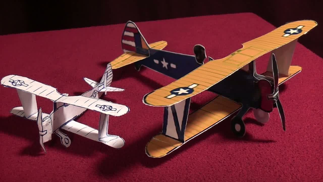 Papercraft Free Scale Paper Biplane (WW II Stearman Model 75)
