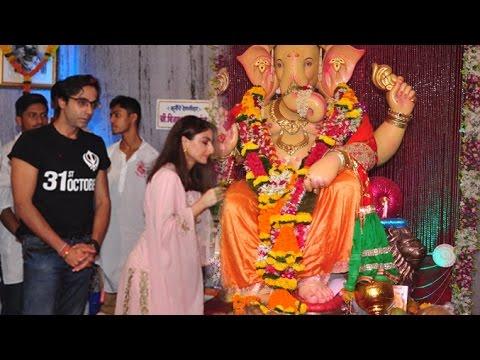 Soha Ali Khan Goes To Andheri Ka Raja Ganpati Mandal For 31st October