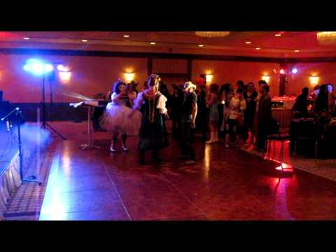 Costume Karaoke - Bret and the Swiss Miss get jiggy - Blissdom Canada 2010