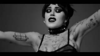 Смотреть клип Brooke Candy - Happy
