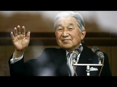 Renunció el emperador y los japoneses no saben qué hacer
