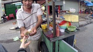 2014 Streetfood Bap Xao (stir fried corn) & Streetview District1 Saigon