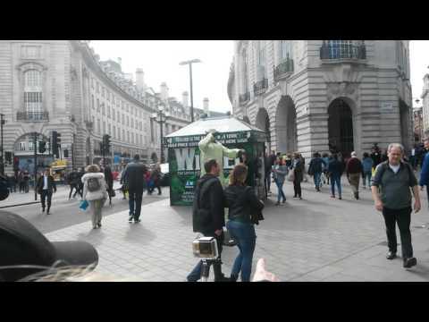 Downtown London 2016 yoda england
