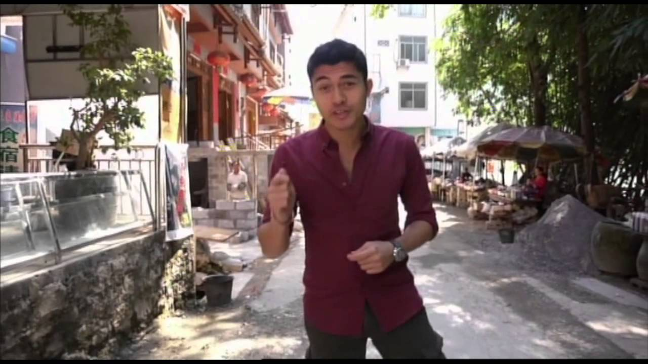 how to be a travel show host