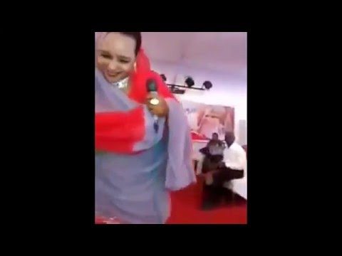 رقص على نغمات سودانية ( رقبة ) /مباُاُاُلغة thumbnail