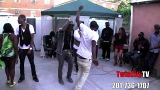 HOW TO DANCE REGGAE DANCEHALL STYLE