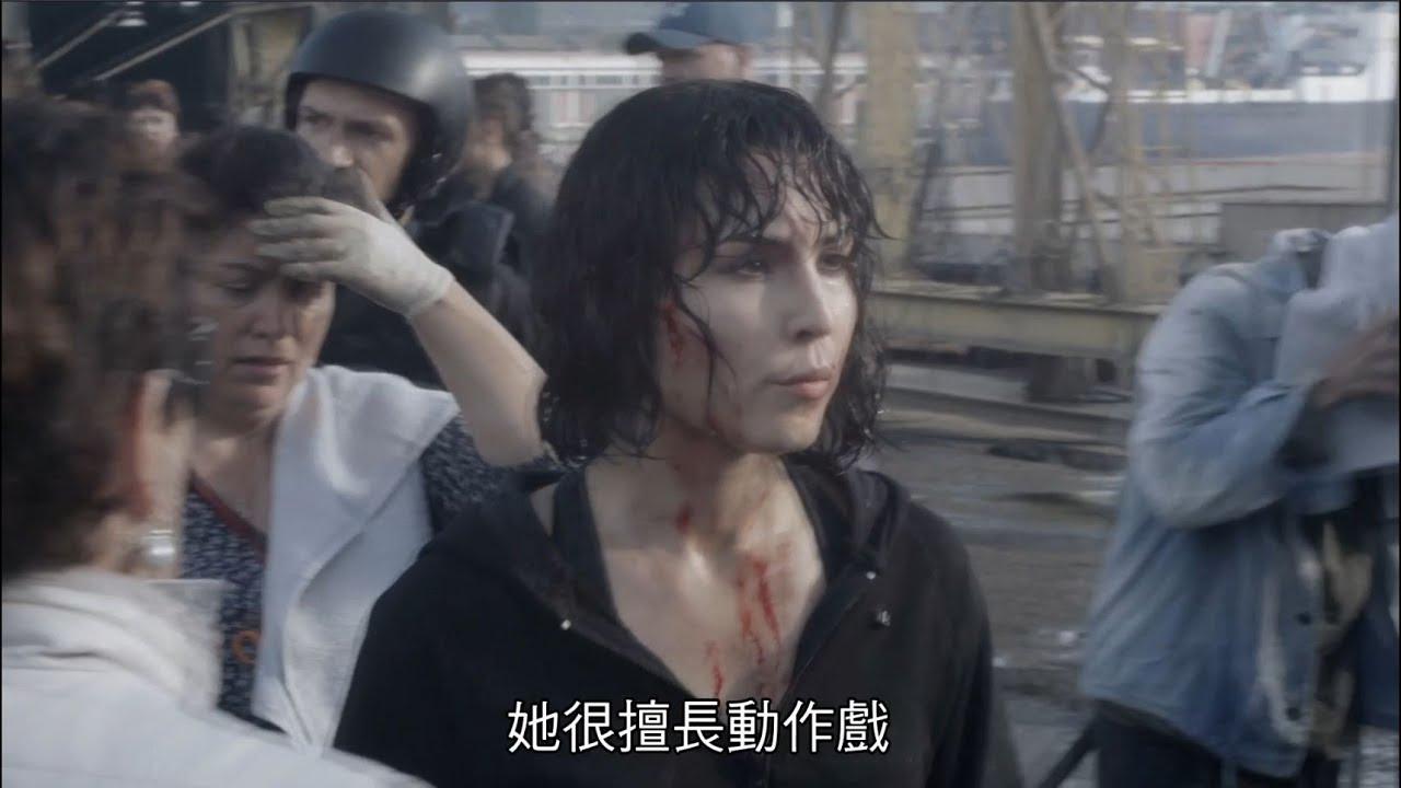 【獵殺星期一】幕後花絮─ 一人分飾多角篇 9/7正式上映 - YouTube