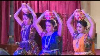 Aayare Aaya Rajasthani  group dance.