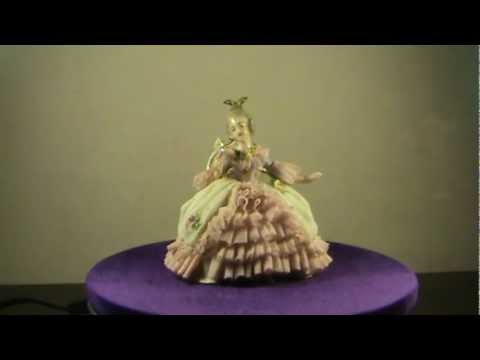 """Фарфоровая статуэтка """"Сидящая Lady""""./Antique German Porcelain Dresden"""