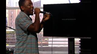 Kendrick Lamar performs HiiiPower live