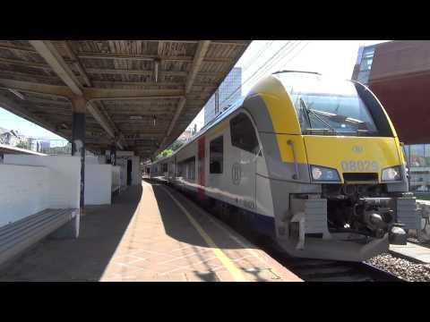 Desiro 08029 vertrekt uit Station Brussel Kapellekerk