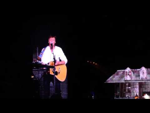 Paul McCartney - And I love her - One On One Tour @ MetLife Stadium 2016