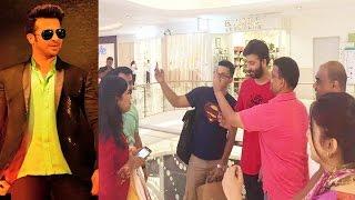 কলকাতায় শাকিব ভক্তদের কান্ড দেখুন | shakib khan crazy fans in kolkata | showbiz news