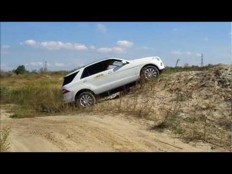 Mercedes ML stuck in sand on OFF-ROAD track and survive