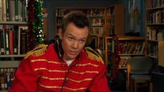 Community's Awesome Joel McHale on their Glee Club Holiday Music Episode