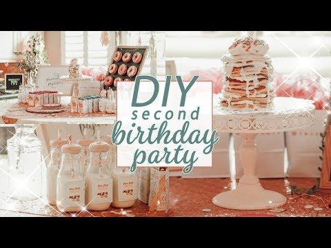 DIY BIRTHDAY PARTY DECOR TOUR + INSPO / Pancakes & Pajamas!