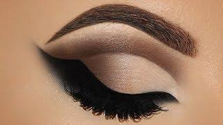 Angel Wings Eyeliner Makeup Tutorial | Melissa Samways