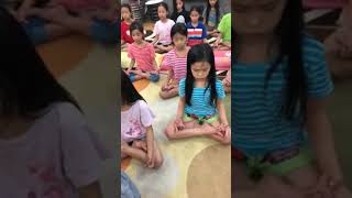Mother Huynh Tieu Huong Teach Her Children How to behavious with older and doing meditation