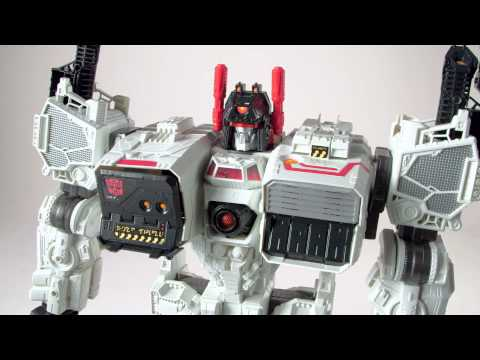 Transformers Generations Titan Class Metroplex Action Figure Toy with Autobot Scamper Figure