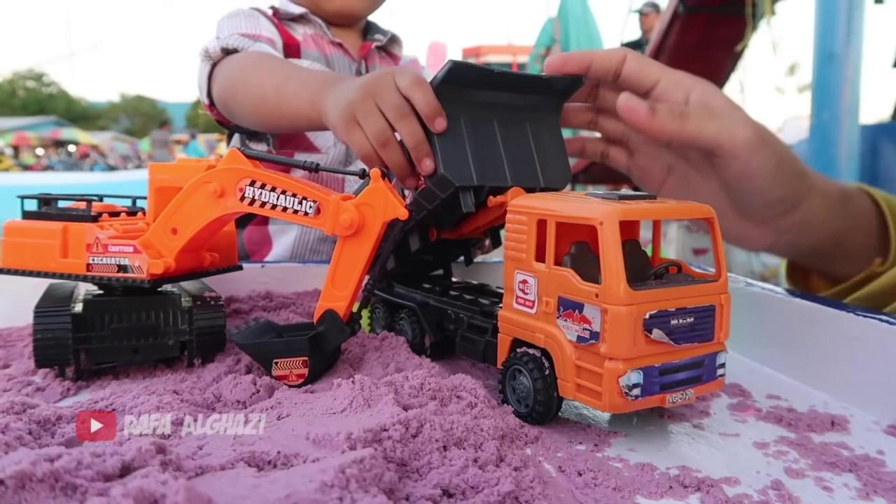 Dede Rafa Main Mobil Mobilan Ekskavator Beko Truck Dozer Pakai Pasir Ajaib Mainan Anak Terbaru