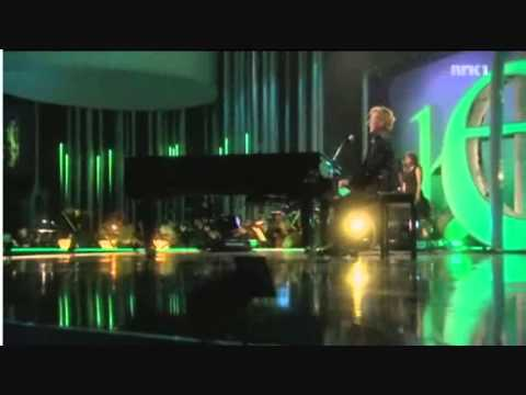 Barry Manilow At The Nobel Peace Concert in Oslo 2010: Mandy