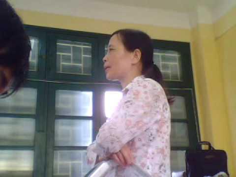 Cô Thanh khóc :