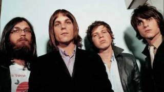 KINGS OF LEON - CLOSER [[WITH LYRICS]]