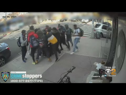 15-year-old girl violently attacked by group of teen boys in Brooklyn, 5 arrested from YouTube · Duration:  1 minutes 43 seconds