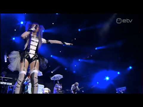 Kerli - Walking On Air Live