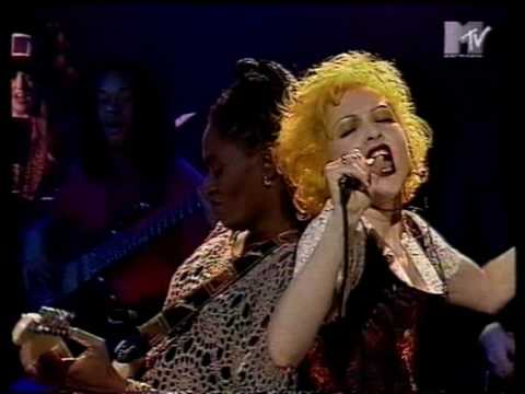 Cyndi Lauper - Girls Just Wanna Have Fun (Live on UK TV)