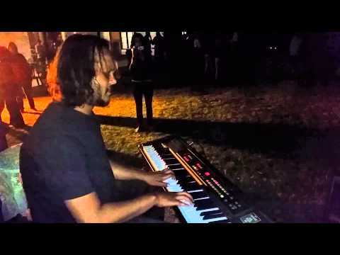 Kontiki Jazz Picnic 04 Oct 2014 - Give a Little Love (Pacific Express)