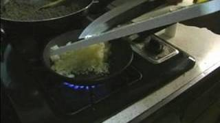 Stuffed Green Bell Peppers Recipe : Sauteing Garlic & Onions For Stuffed Green Peppers