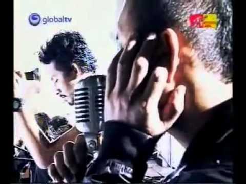 Burgerkill Feat Fadli Padi, Karinding Attack   Tiga Titik Hitam Live MTV mp4   YouTube