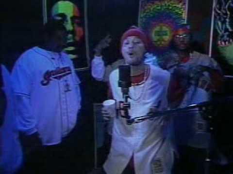Lil Wayne vs Bizzy Bone freestyle