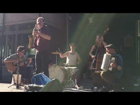 Ewan Bleach & Friends - My Gal Sal