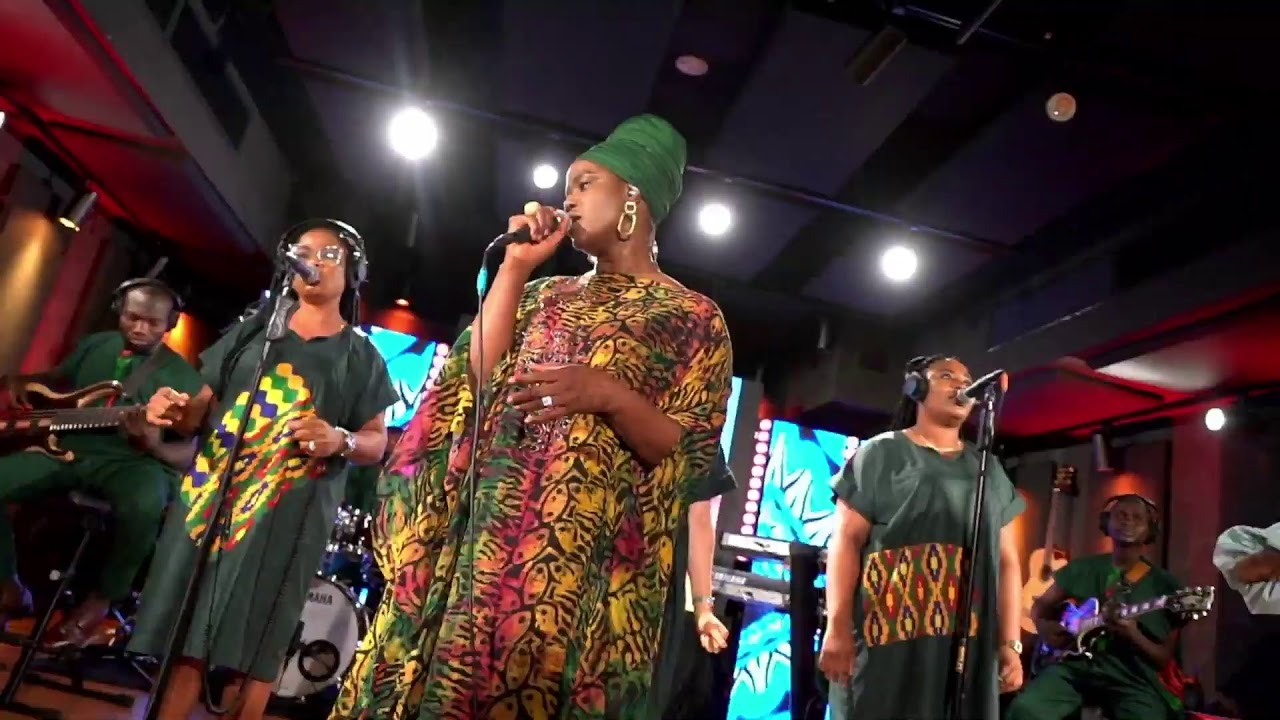 Download ISODOTUN CONCERT - LIVE WITH SOLA ALLYSON