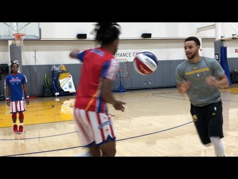 Steph Curry hoops with the Harlem Globetrotters