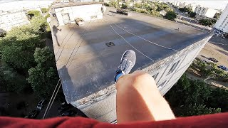 PARKOUR FROM SECURITY AND POLICE. JUMPED FROM THE ROOF ON THE ROOF OF THE HOUSE. CRAZY POV.
