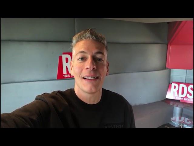Giovanni Vernia presenta Ariston Comic Selfie 2019