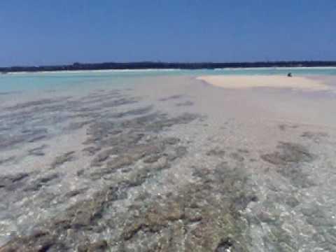 幻の島現る。与論島の百合ヶ浜