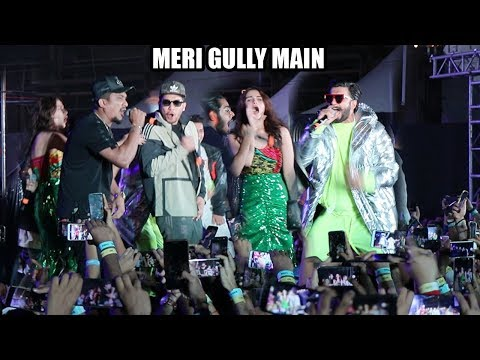 Live: Ranveer Singh Meri Gully Main Song With Divine & Naezy - Gully Boys Promotions