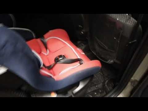 Как быстро пристегнуть детское автокресло ремнями безопасности.