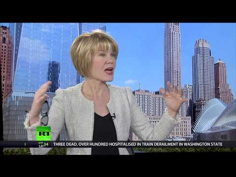 Keiser Report: China's ban on 'foreign garbage' (E1164)