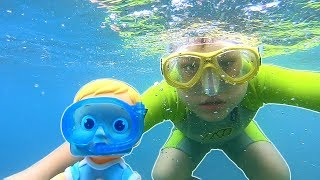 Diving down for Doll | Pretend Play with Baby Dolls | Swimming Underwater