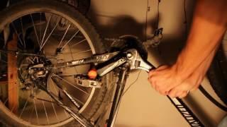 скрежет при вращении колеса велосипеда стройке