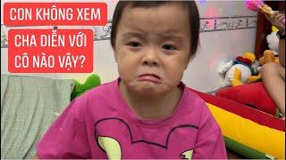 Trà Sữa khóc không chịu xem MV cha Khương Dừa, vì thấy cha diễn với nữ ca sĩ lạ...
